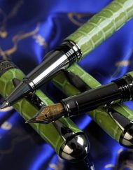 Luxury Pens Woodpecker Nib